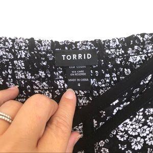 torrid Tops - Torrid Black & White Floral Chiffon Babydoll Top 4